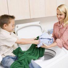 Чем стирать вещи и мыть посуду ребенка?