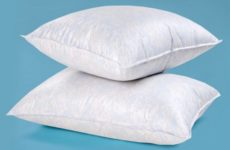 Сравнение химчистки подушек и механической чистки